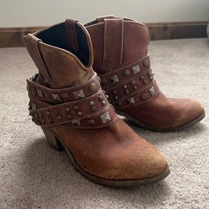 Women's Corral cowboy ankle boots